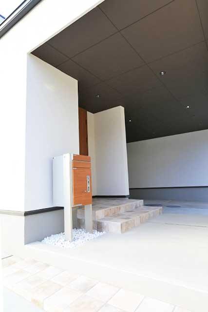 新築住宅エントランス施工例